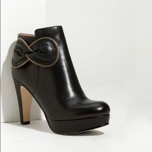 SEE BY CHLOE | Zip Bow Leather Bootie | Size 9